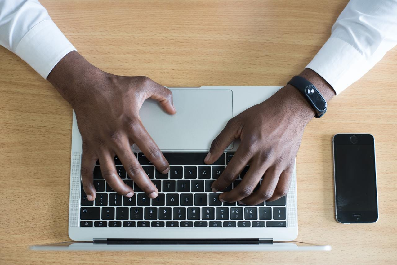 How to Make Money Online Writing Articles in Kenya